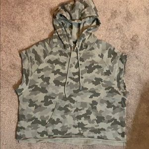 NWOT! ***ATM ***Rate find! S/s boxy hoodie